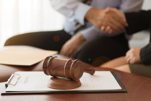 مشاور حقوقی در کرج