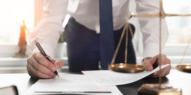 بهترین وکیل پایه یک در کرج